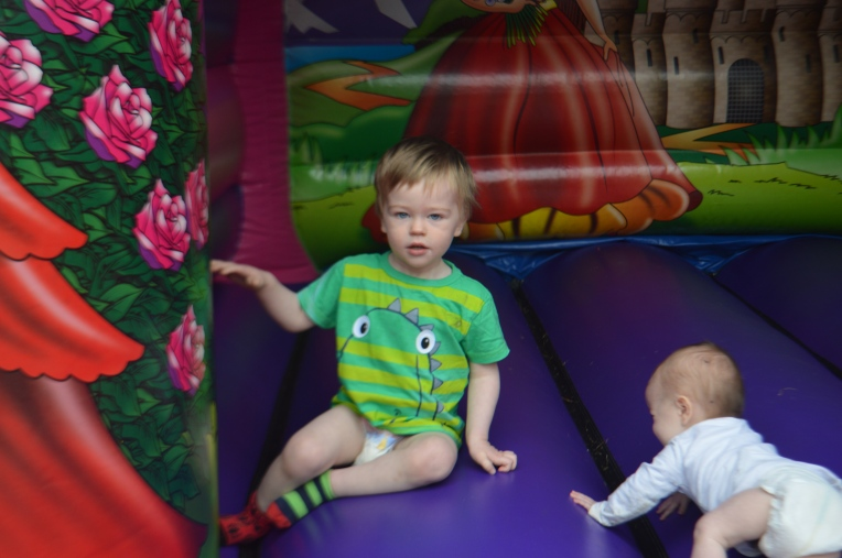 living arrows, bouncy castle, babies, dontcallmestepmummy, iheartsnapping