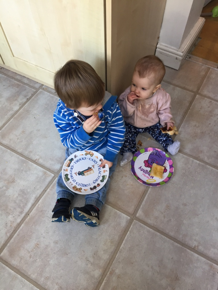snack time, dontcallmestepmummy, blended family, siblings, the ordinary moments, tales from a toddler
