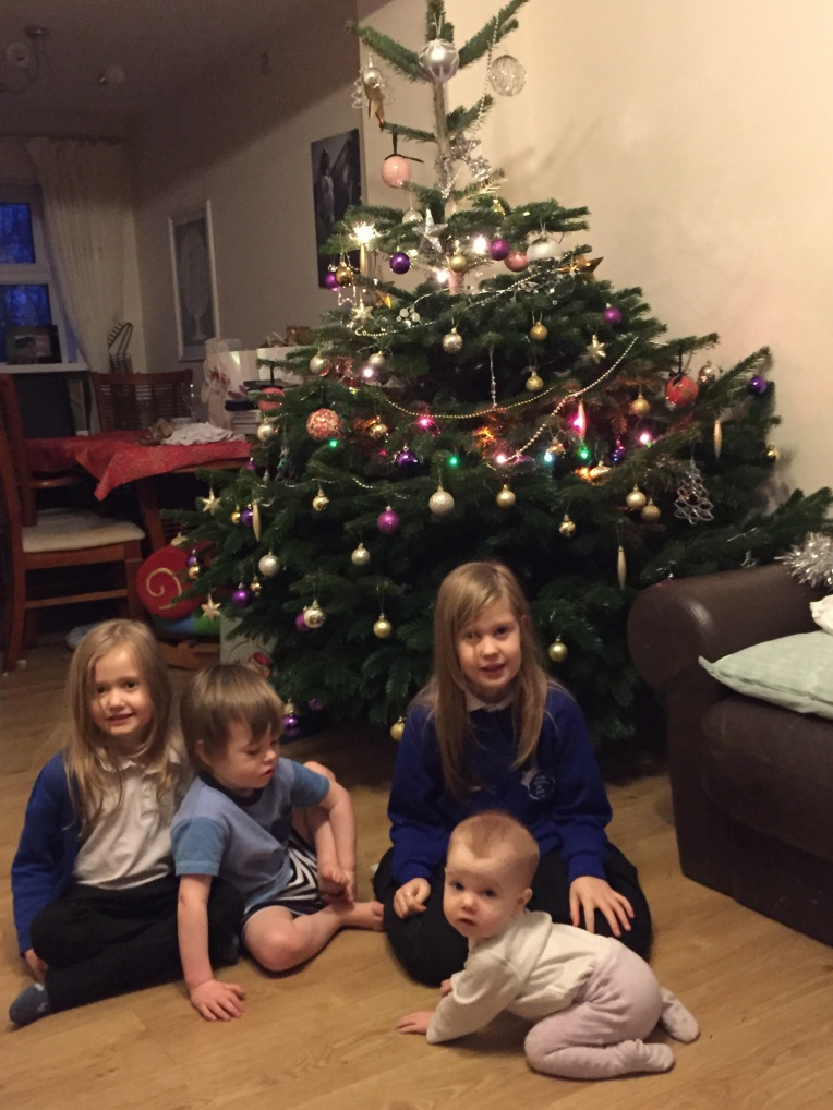 siblings, Christmas tree, Christmas, dontcallmestepmummy, blended family