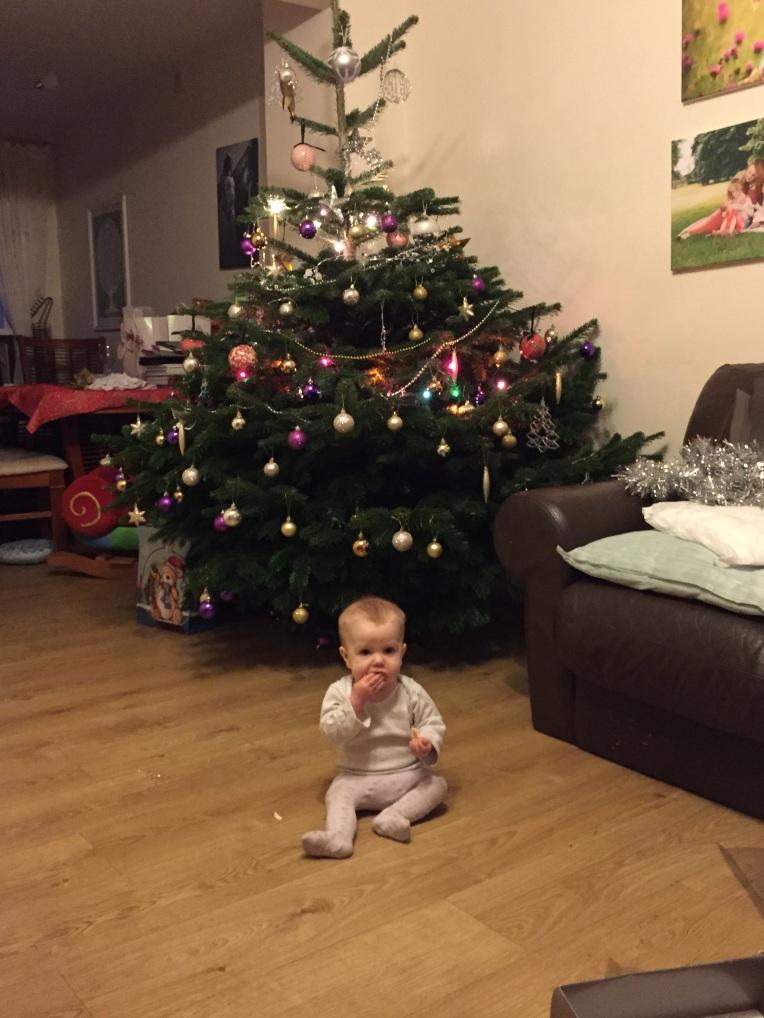christmas tree, christmas babies, dontcallmestepmummy, living arrows, blended family