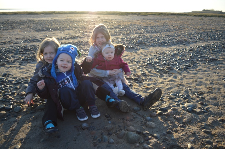 siblings, beach day, dontcallmestepmummy, blended family, mummy blog, family portraits