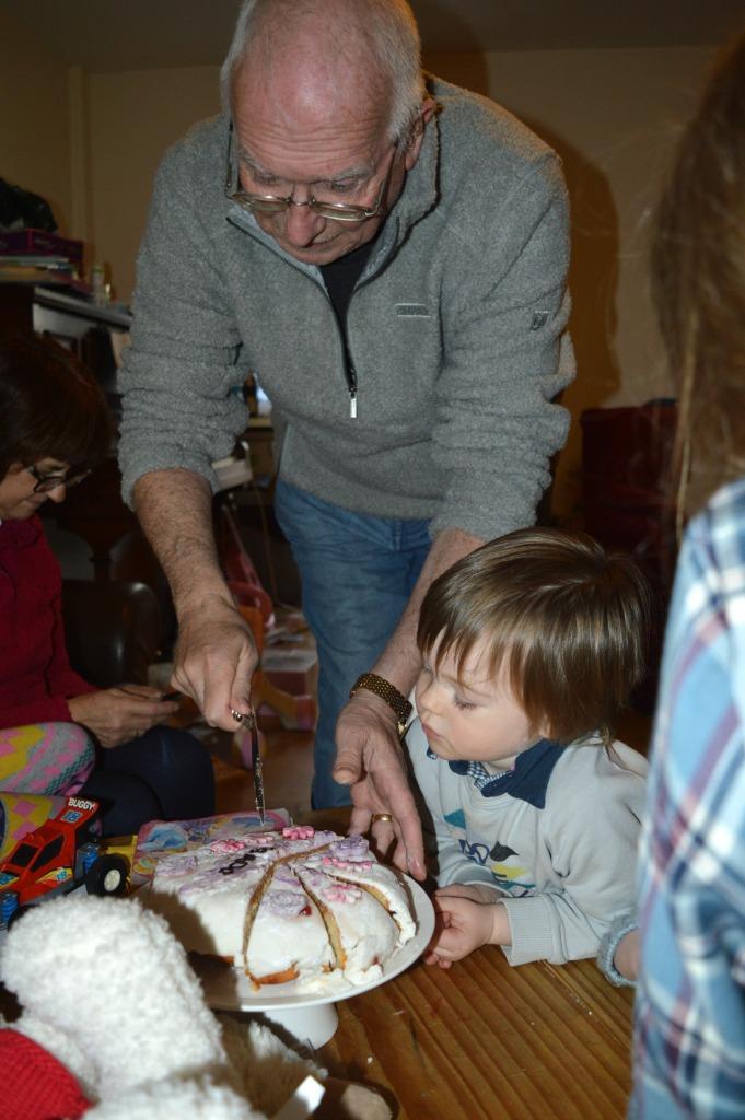 the ordinary moments, grandparent visits, family visits, blended family, dontcallmestepmummy, mummy blog, birthday cake