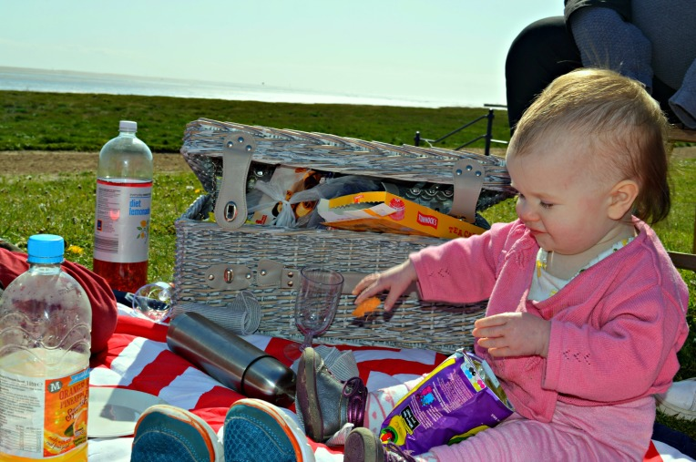 windy picnic,toddler with chocolate, toddler picnic, toddler life, seaside, beach, dontcallmestepmummy, blended family, parent blogger, big family