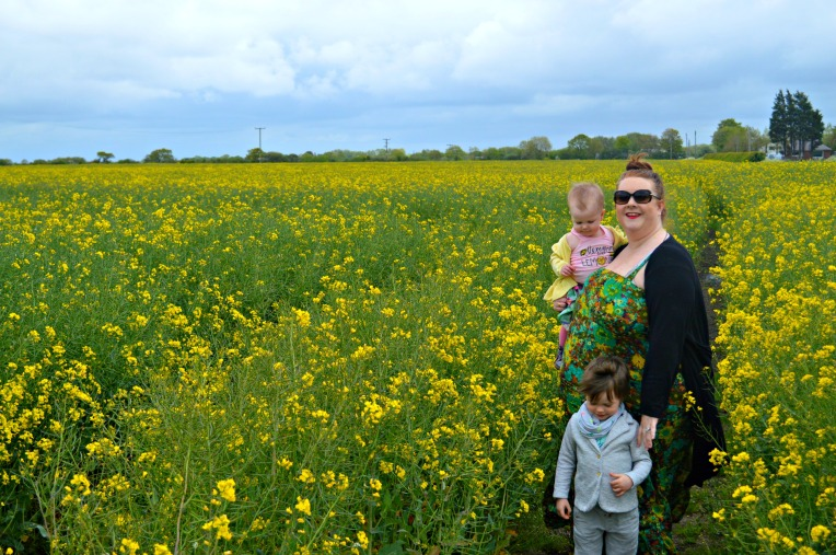 yellow fields, beautiful toddlers, yellow, happy photos, siblings, dontcallmestepmummy, mummy blogger, photography